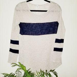 ♥️Vanilla Bay lightweight sweater.